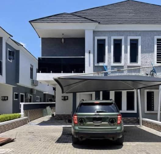 Cute Abiola mansion